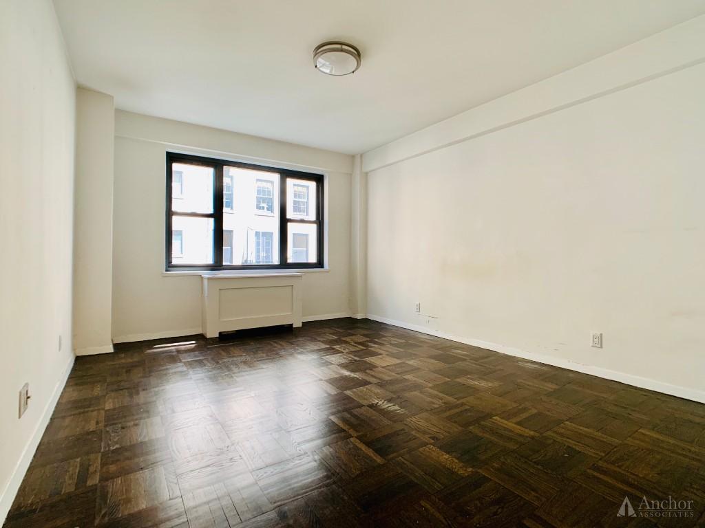 2 Bedroom Apartment in Midtown East