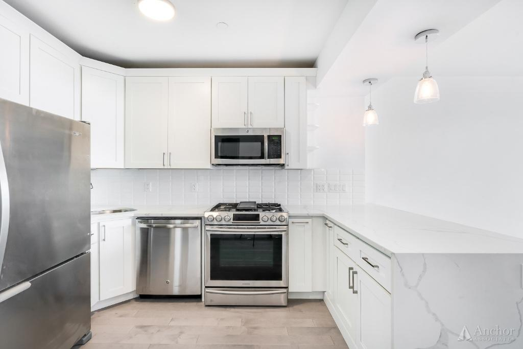 2 Bedroom Condo in Long Island City