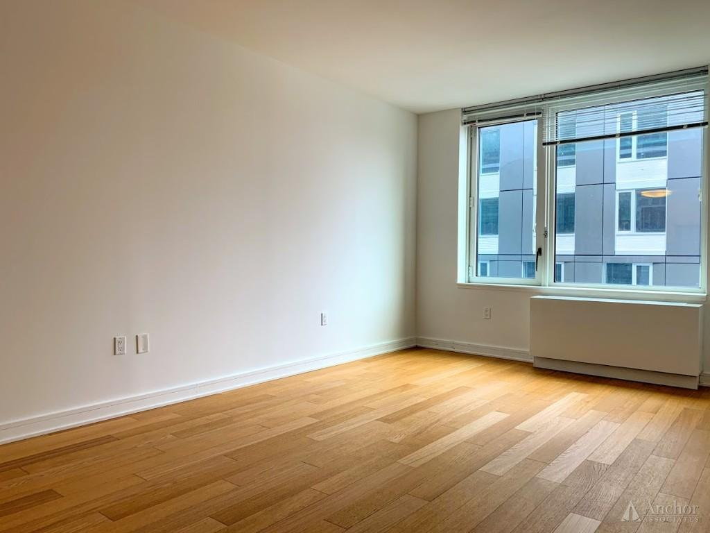 Brand New 1 Bedroom In LIC FEW Minutes From MANHATTAN Massive GYM/ROOF DECK