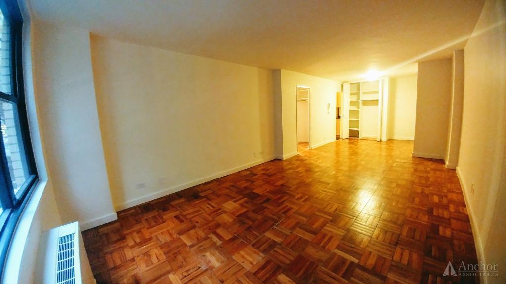 1 Bedroom Apartment in Midtown East