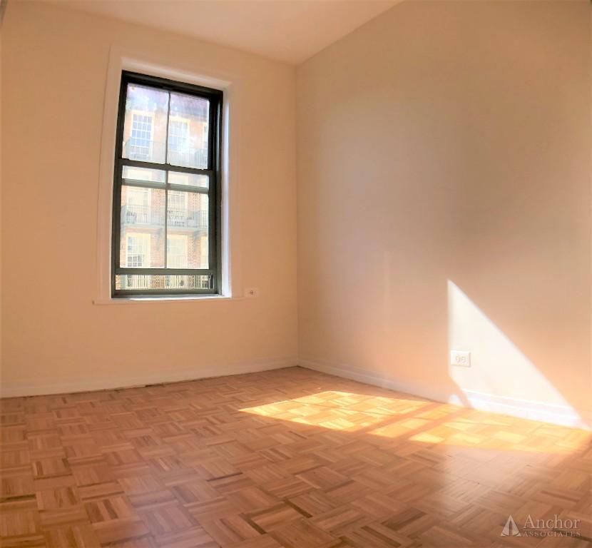 1 Bedroom Apartment in Upper East Side