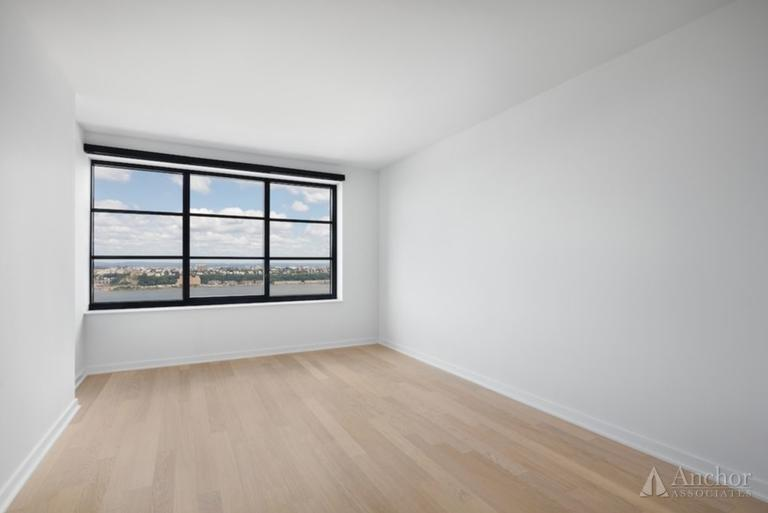 2 Bedroom Apartment in Downtown