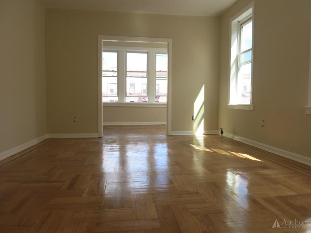 4 Bedroom Apartment in Inwood