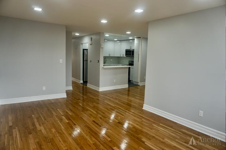 3 Bedroom Apartment in Middle Village