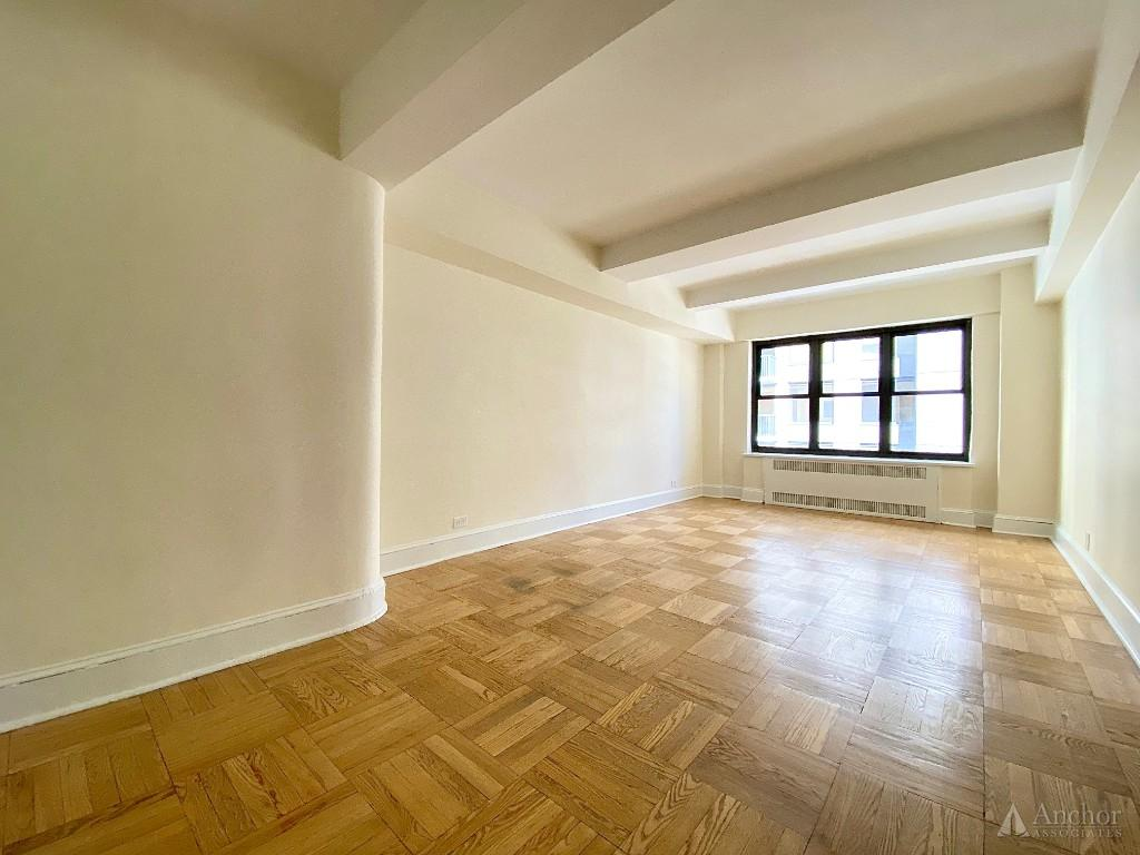 2 Bedroom Apartment in Midtown East