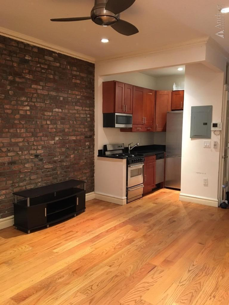 4 Bedroom Apartment in Clinton