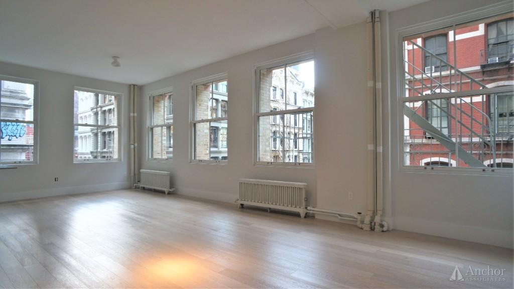 NO FEE! SoHo 3 bedroom/Convertible 4 with 2.5 bathrooms. Newly renovated. Stunning loft!