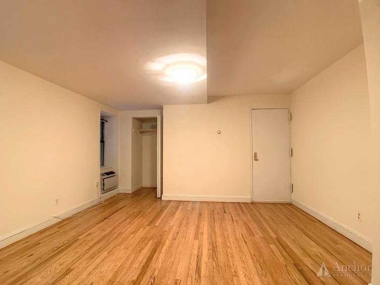 2 Bedroom Apartment in Gramercy Park