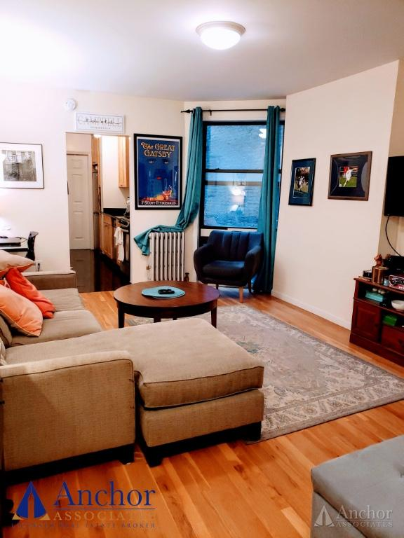 1 Bedroom Apartment in Upper East Side