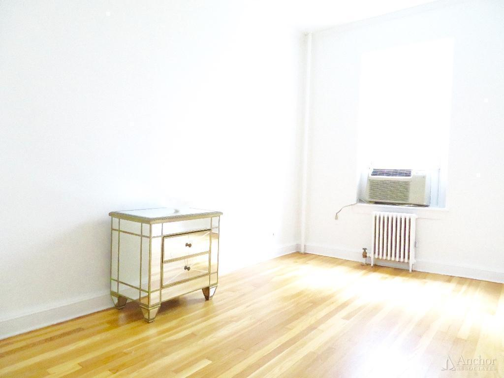 2 Bedroom Apartment in Upper East Side