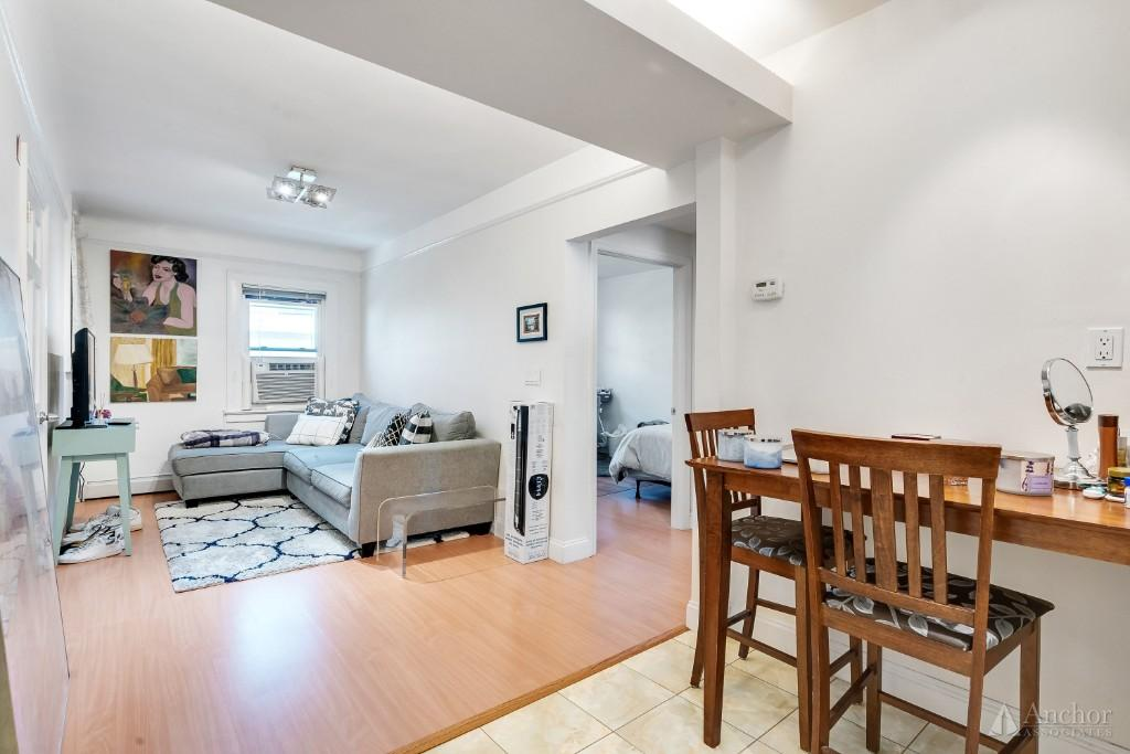 3 Bedroom House in Long Island City
