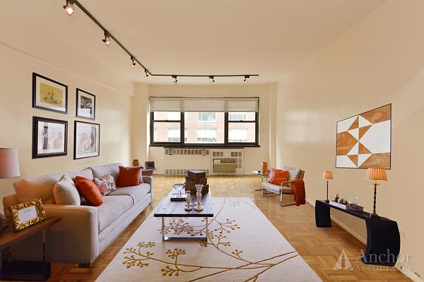 E 72nd / 2nd ~ LUX DM ~ SPACIOUS RENOV 1 BR ~ $575,000