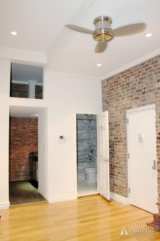 NO FEE! - **SKYLIGHTS & Loft Space** WASHER&DRYER - 8th Ave!