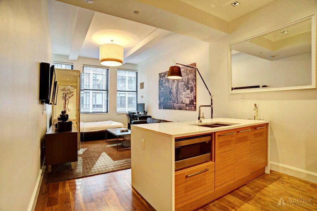 Studio Condo in Chelsea