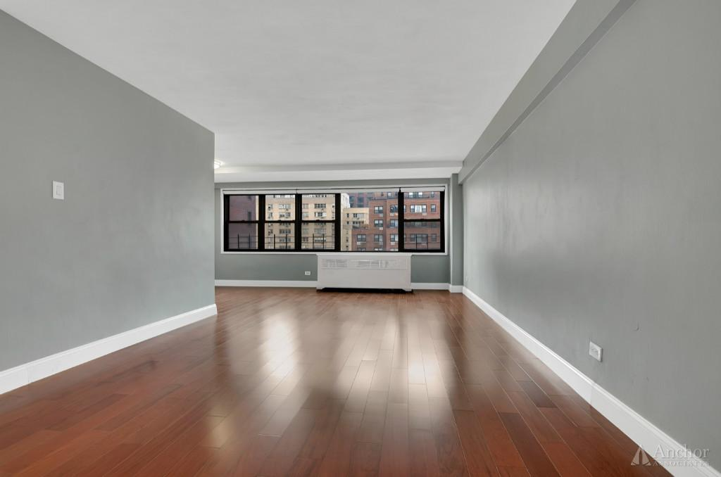 1.5 Bedroom Coop in Midtown East