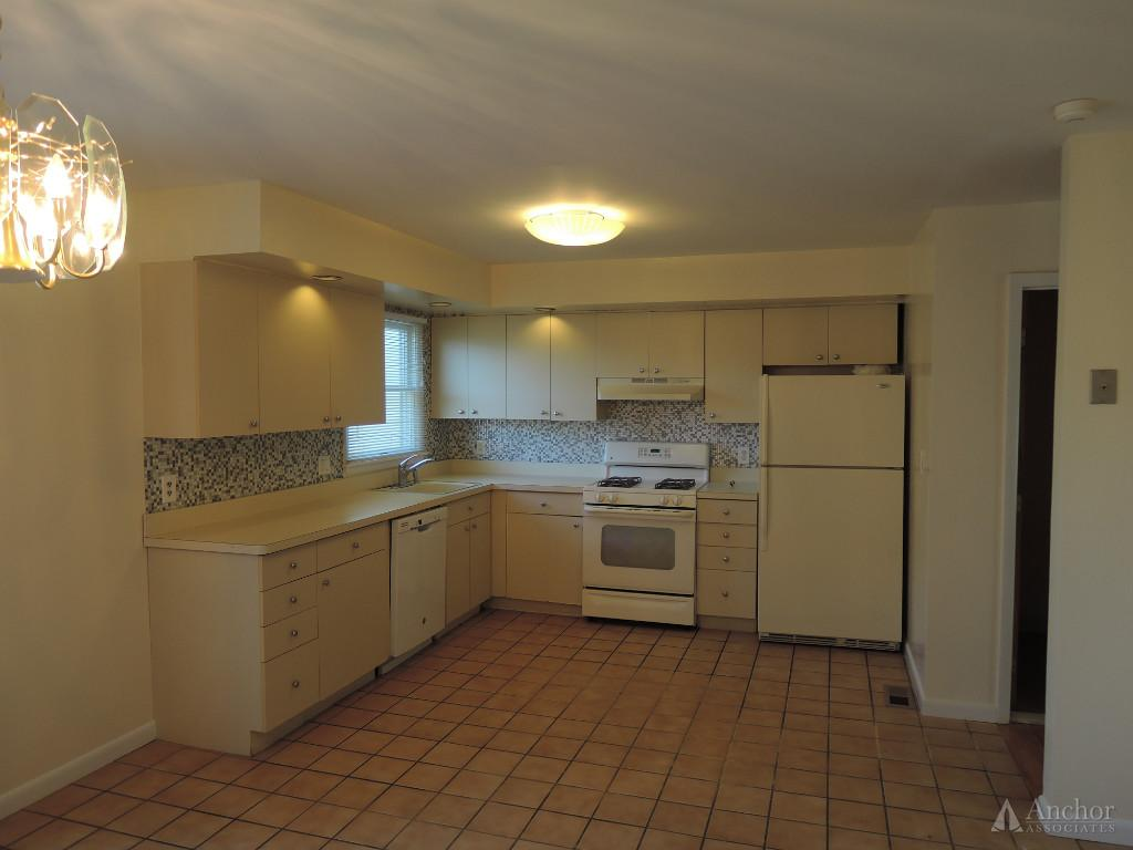 5 Bedroom Apartment in Irvington
