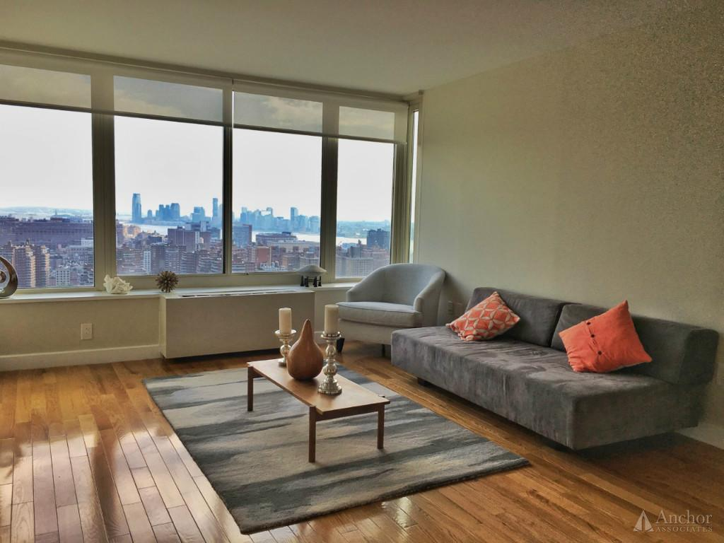 2 Bedroom Apartment in Clinton