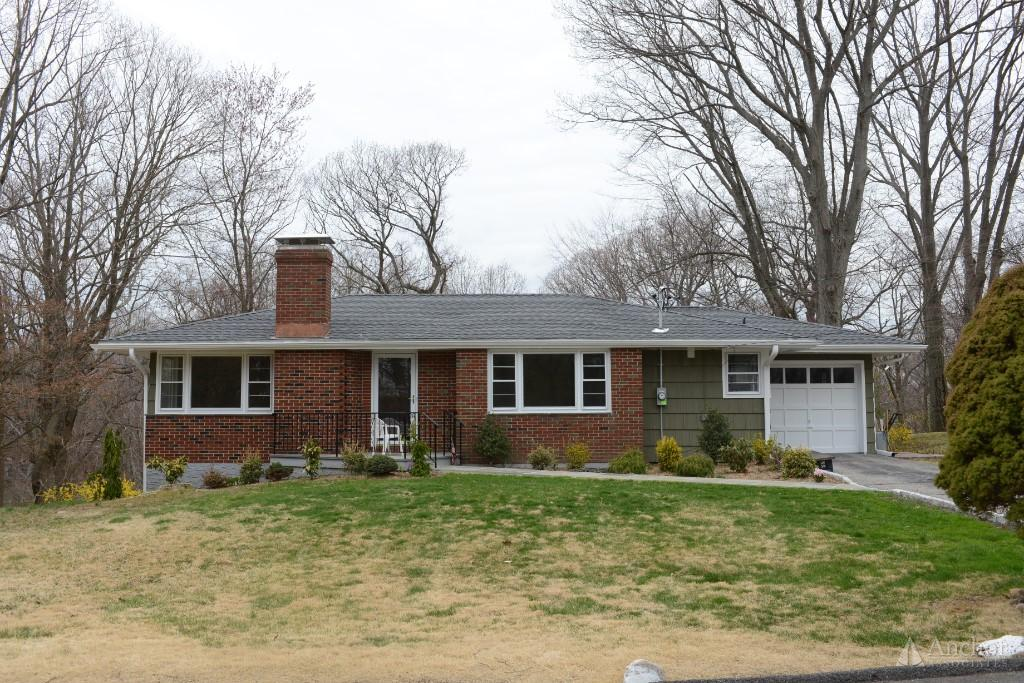 ARDSLEY 4 BEDROOMS  1 . 5  BATHS  HOUSE ALL UPDATED PLUS TWO LOTS
