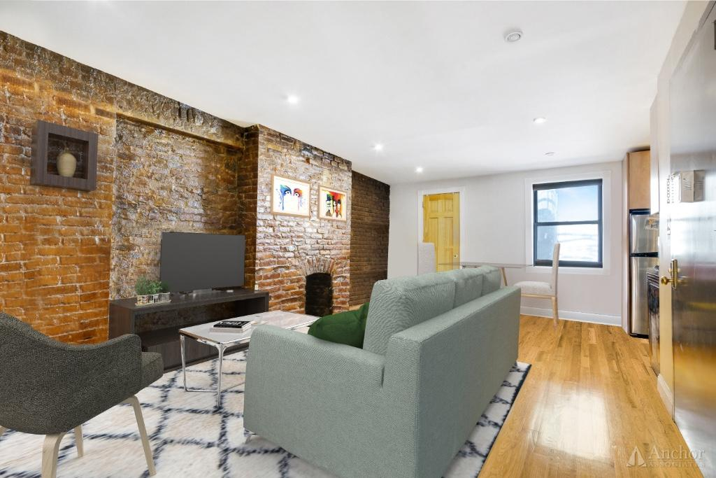 596 Third Ave* W/D in Unit+++FIREPLACE!! Exposed Brick!!