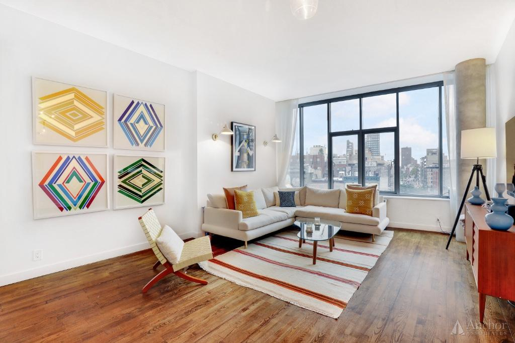 Magnificent 2 BR/2Bath For Rent in PRIME SOHO! DM**ELEV**LUXURY**FULLY FURNISHED + W/D!!!!