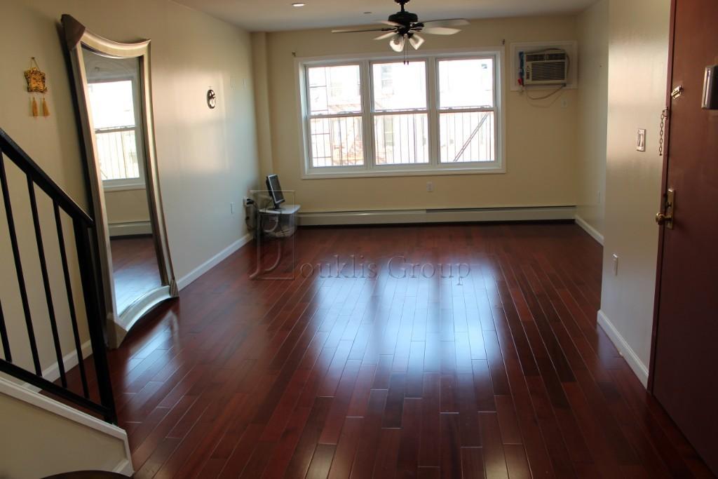 NYC Real Estate | No-Fee Rentals | Luxury Manhattan Apartments