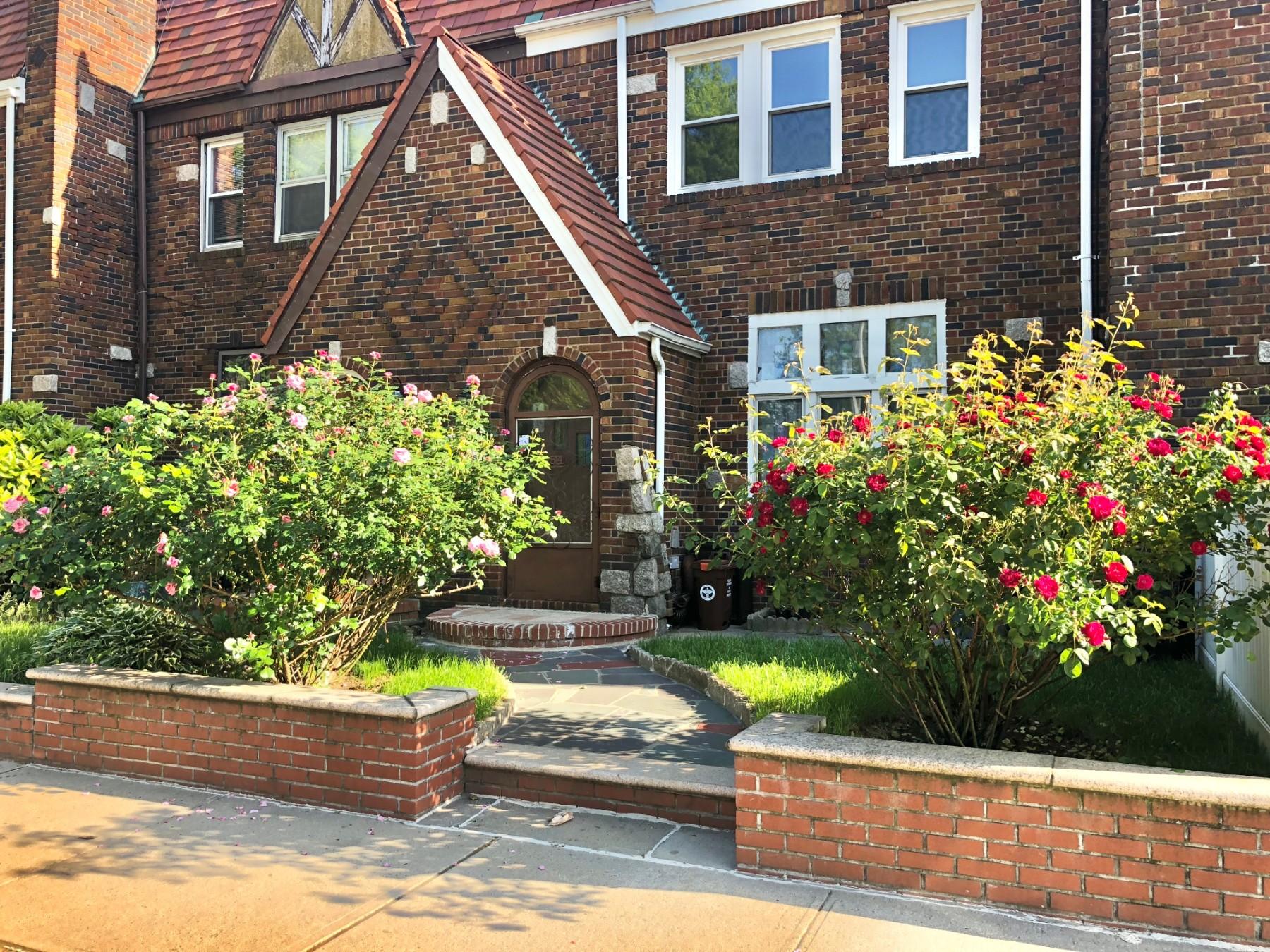 3 House in Queens Village