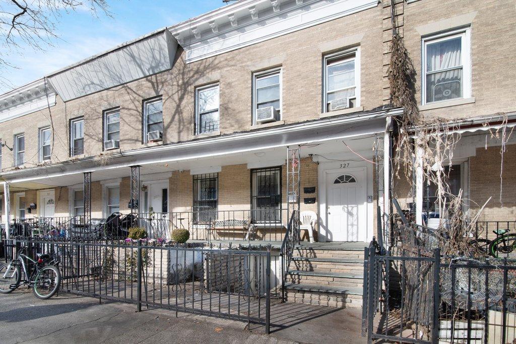 6 House in Kensington