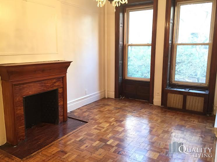 1 Bedroom Townhouse in Upper West Side