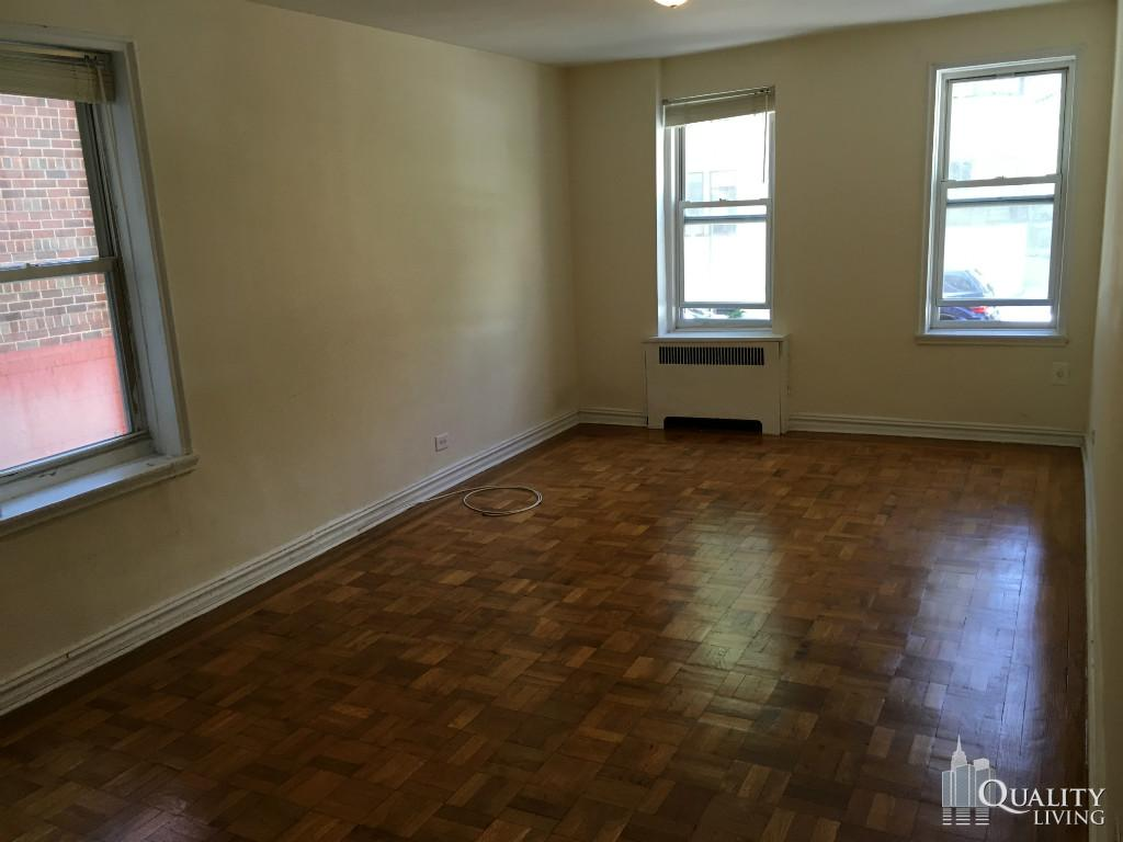 Studio Apartment in Hudson Heights