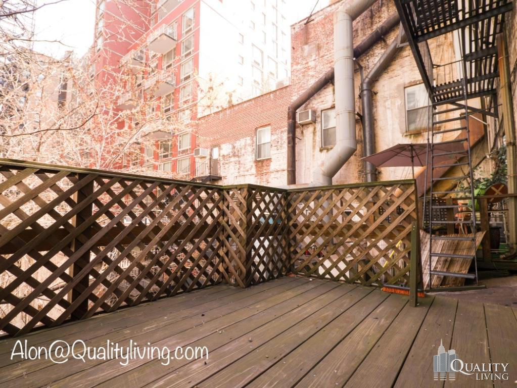 Commercial Commercial in Chelsea