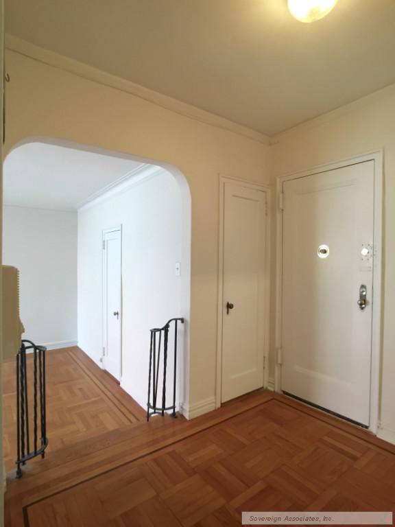 Foyer into Livingroom