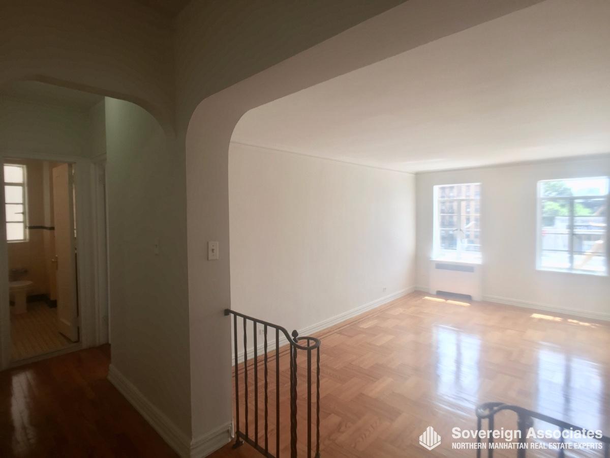 Livingroom from Foyer