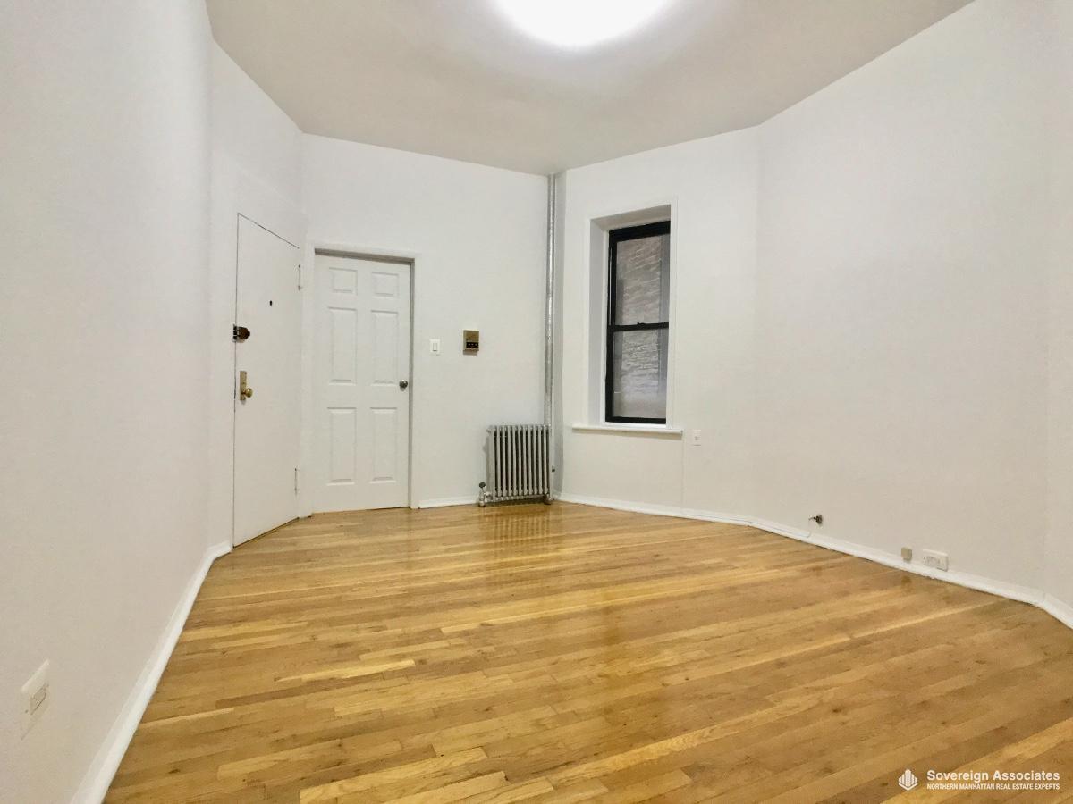 Living Area toward bedroom