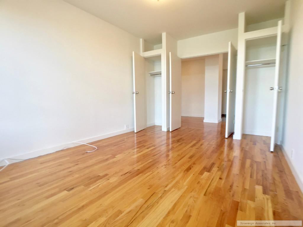Living room inward view