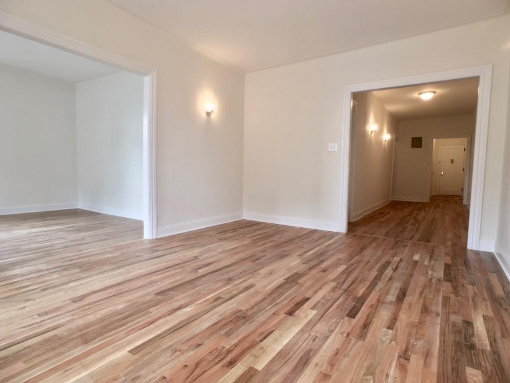 Living Room (towards front door)