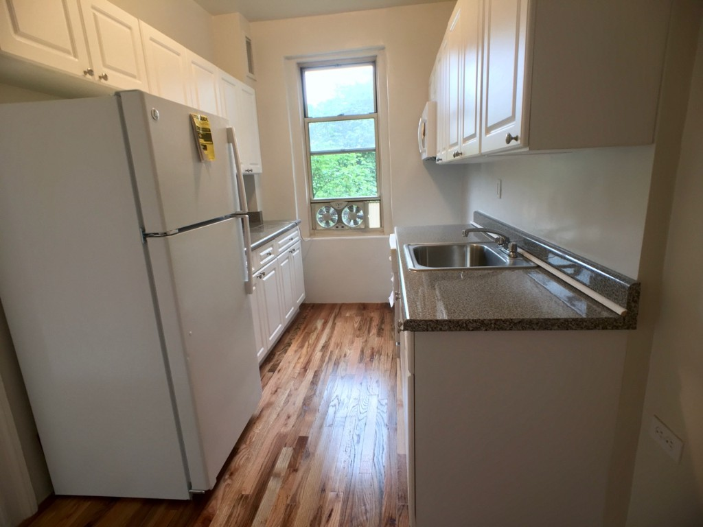 Kitchen IN (all new appliances)