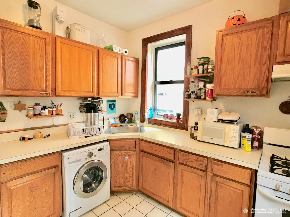Kitchen/Laundry in Unit