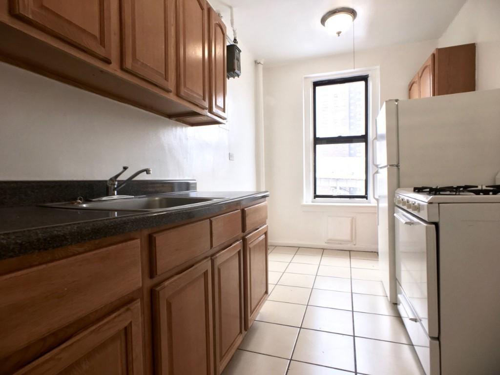 6H Kitchen