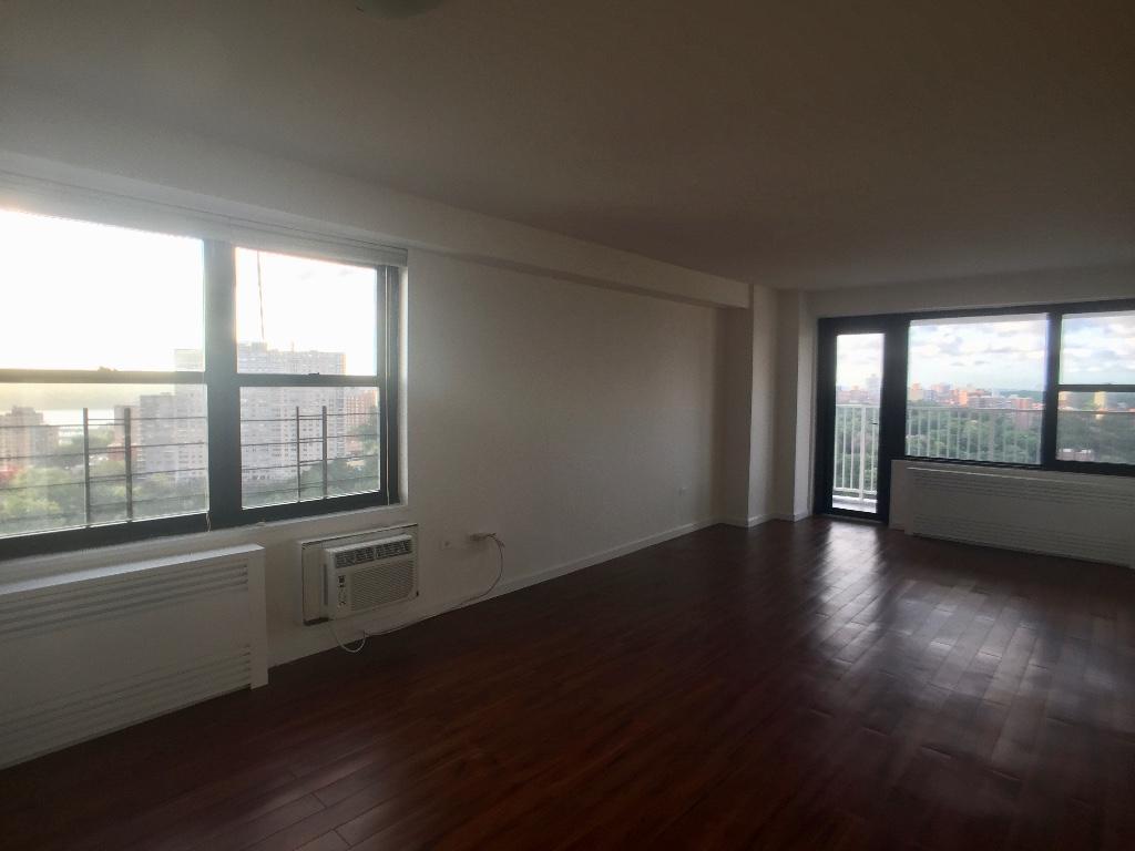 Livingroom to Balcony