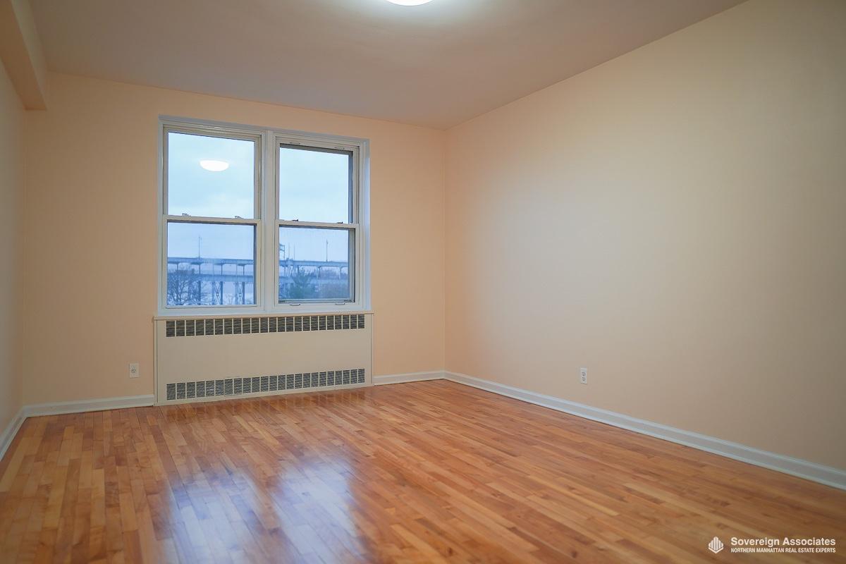 Bedroom in
