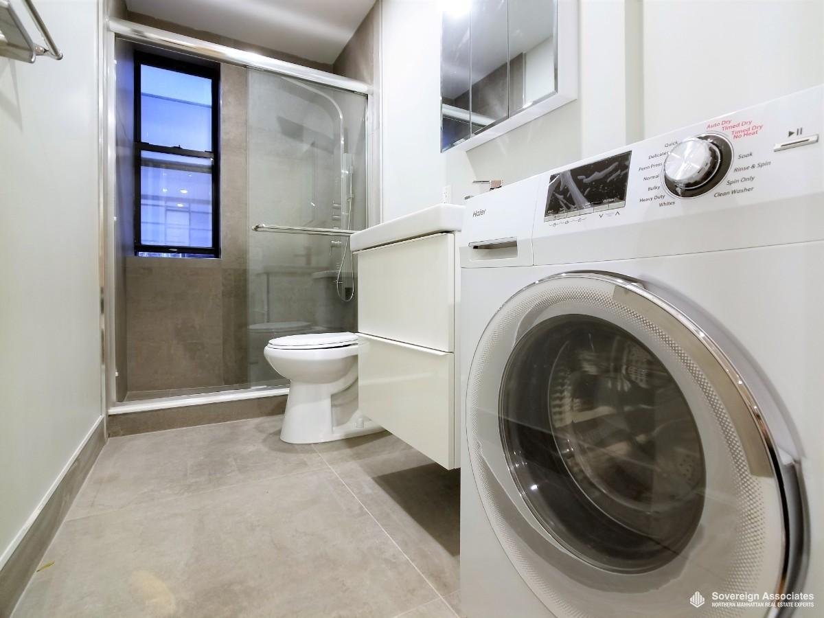 Bath 2 Washer/Dryer