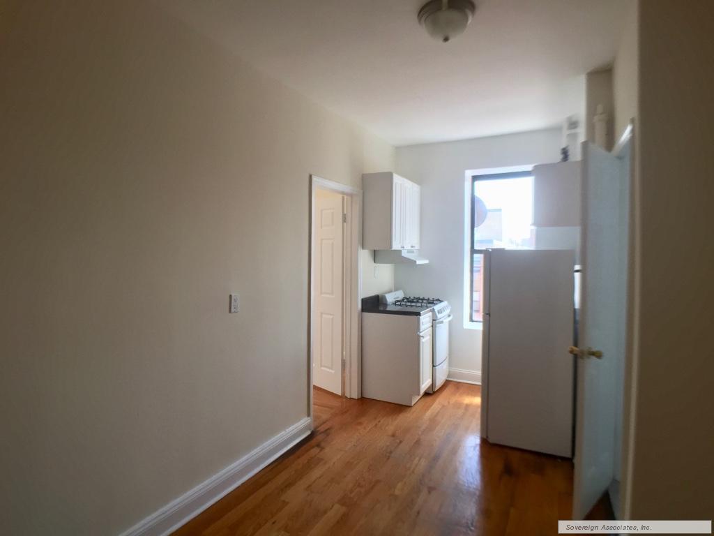 242 Bradhurst Avenue, #64