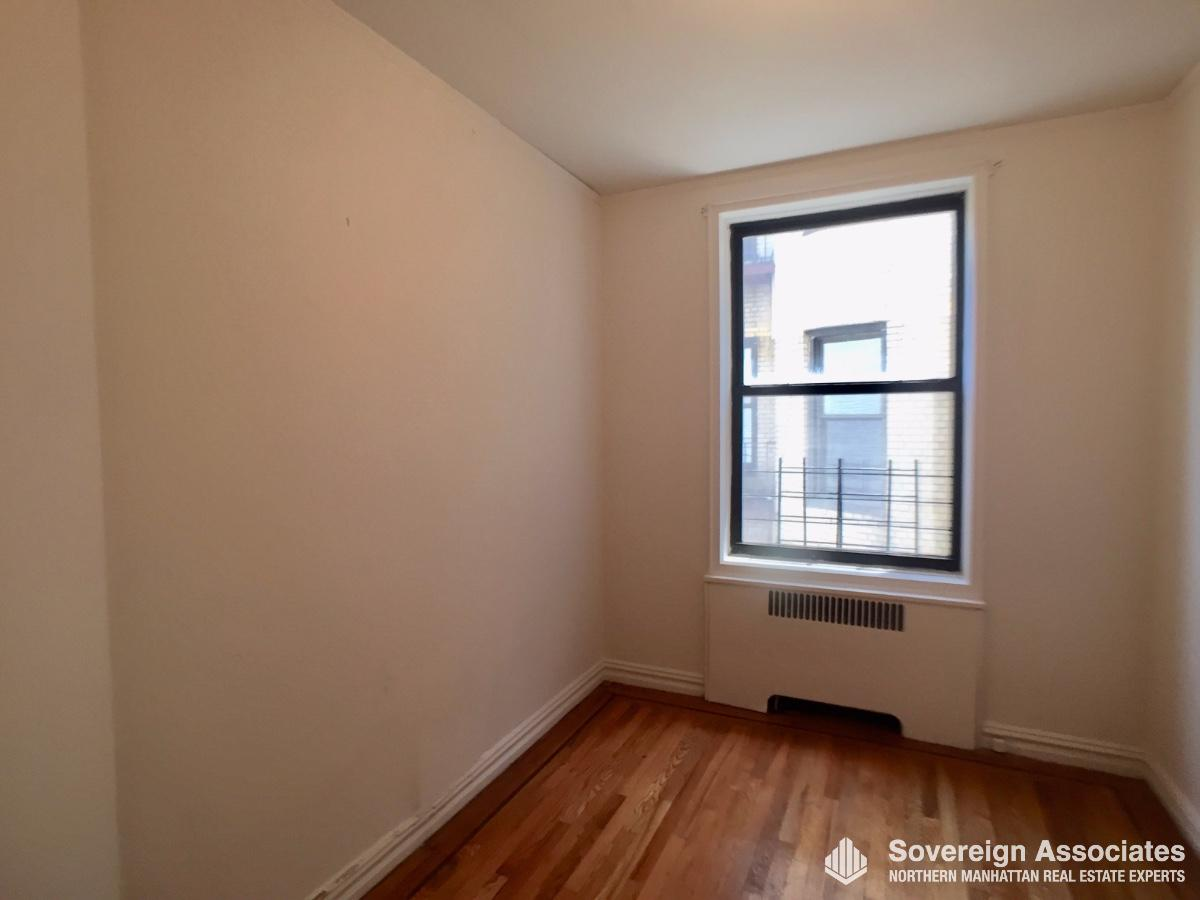 2nd Bedroom (no closet)