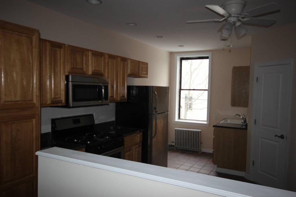 2 Bedroom Apartment in Carroll Gardens
