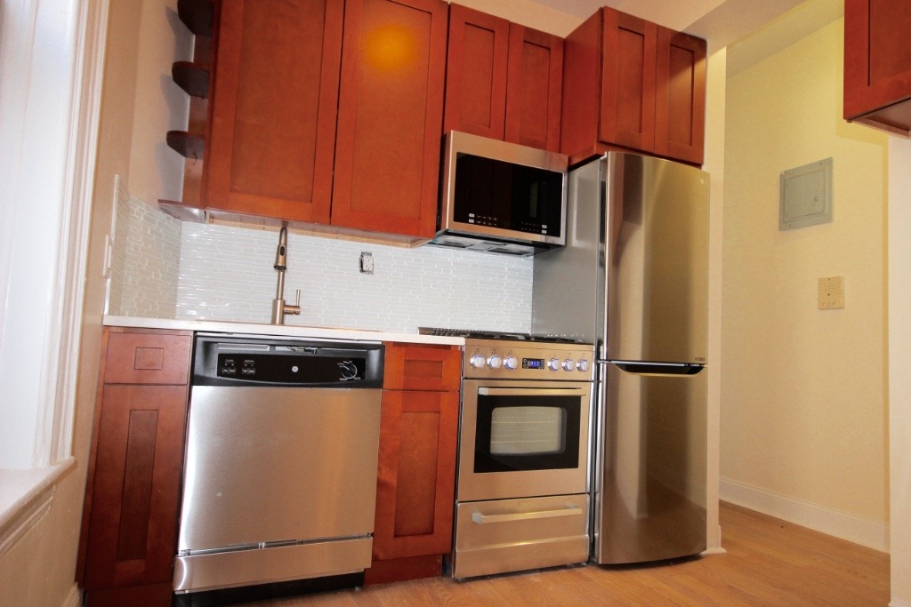 2 Bedroom Apartment in Cobble Hill