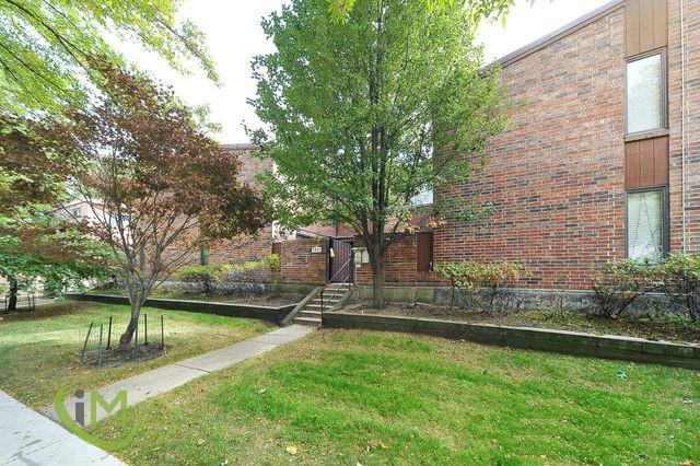 3 Bedroom Townhouse in Rogers Park