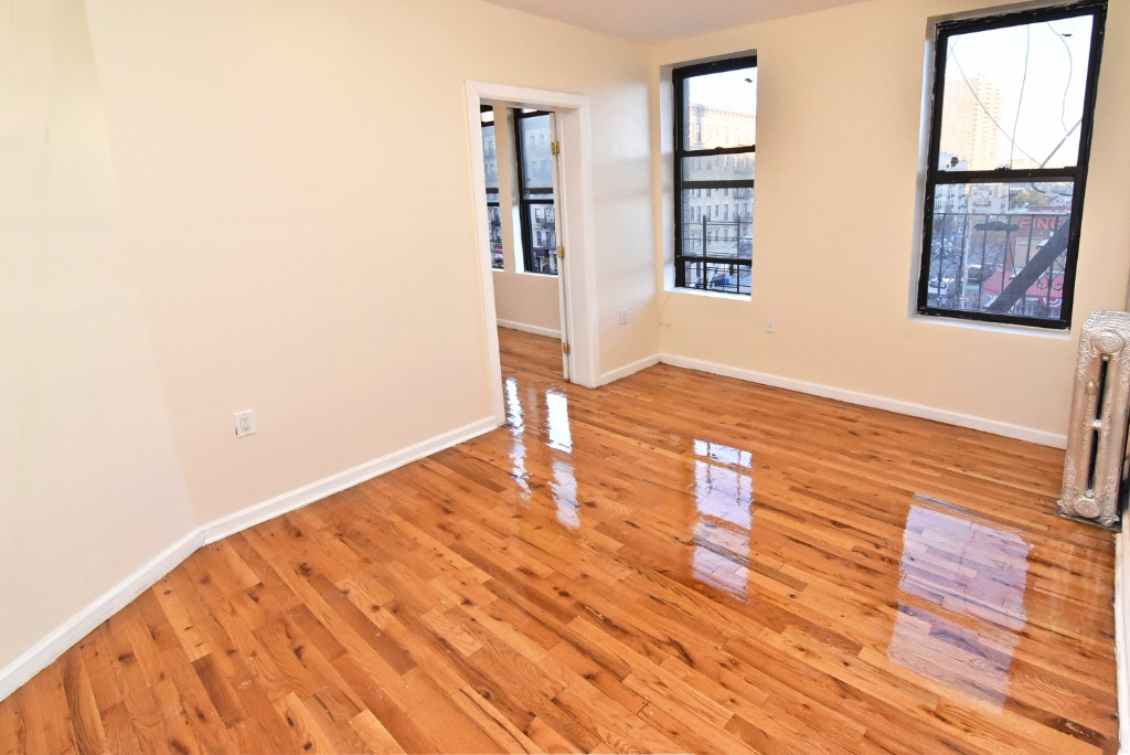 4 Apartment in Harlem