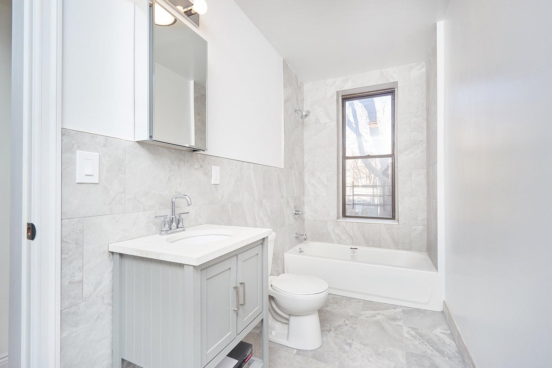 269 East 175th Street Mount Hope Bronx NY 10457