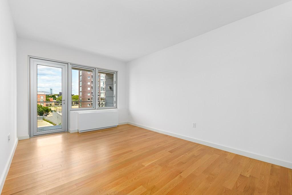 31-43 Vernon Boulevard, Apt 617, Queens, New York 11106