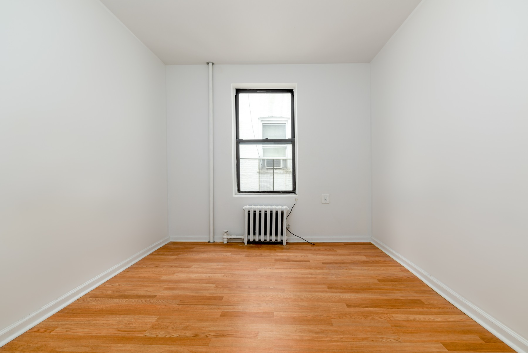 4109 7th Avenue Interior Photo